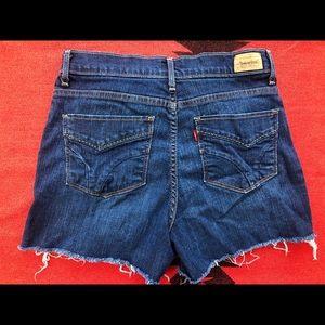 Women Levi's Shorts